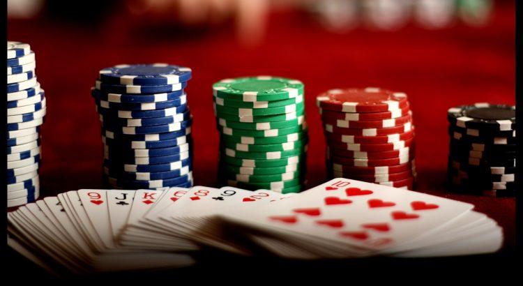 QQ Domino Poker Online