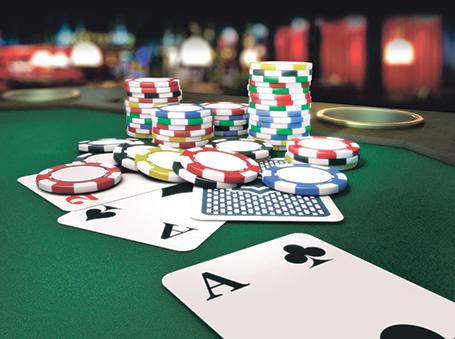 Easy Tip to Earn Money in Online Gambling - Online-poker-casino-gambling
